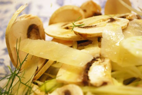 Shaved fennel and mushroom salad